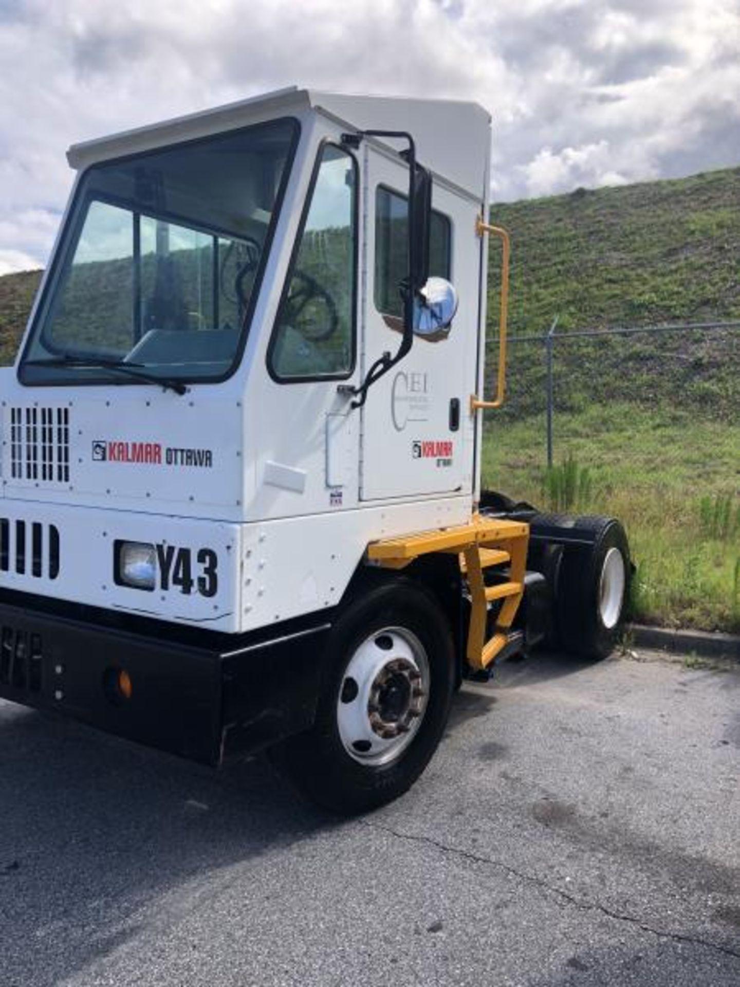 2015 Kalmar Ottawa 4x2 Yard Truck , SN: 338837 3,239.3 Hours, 3,125 Miles - Image 5 of 32