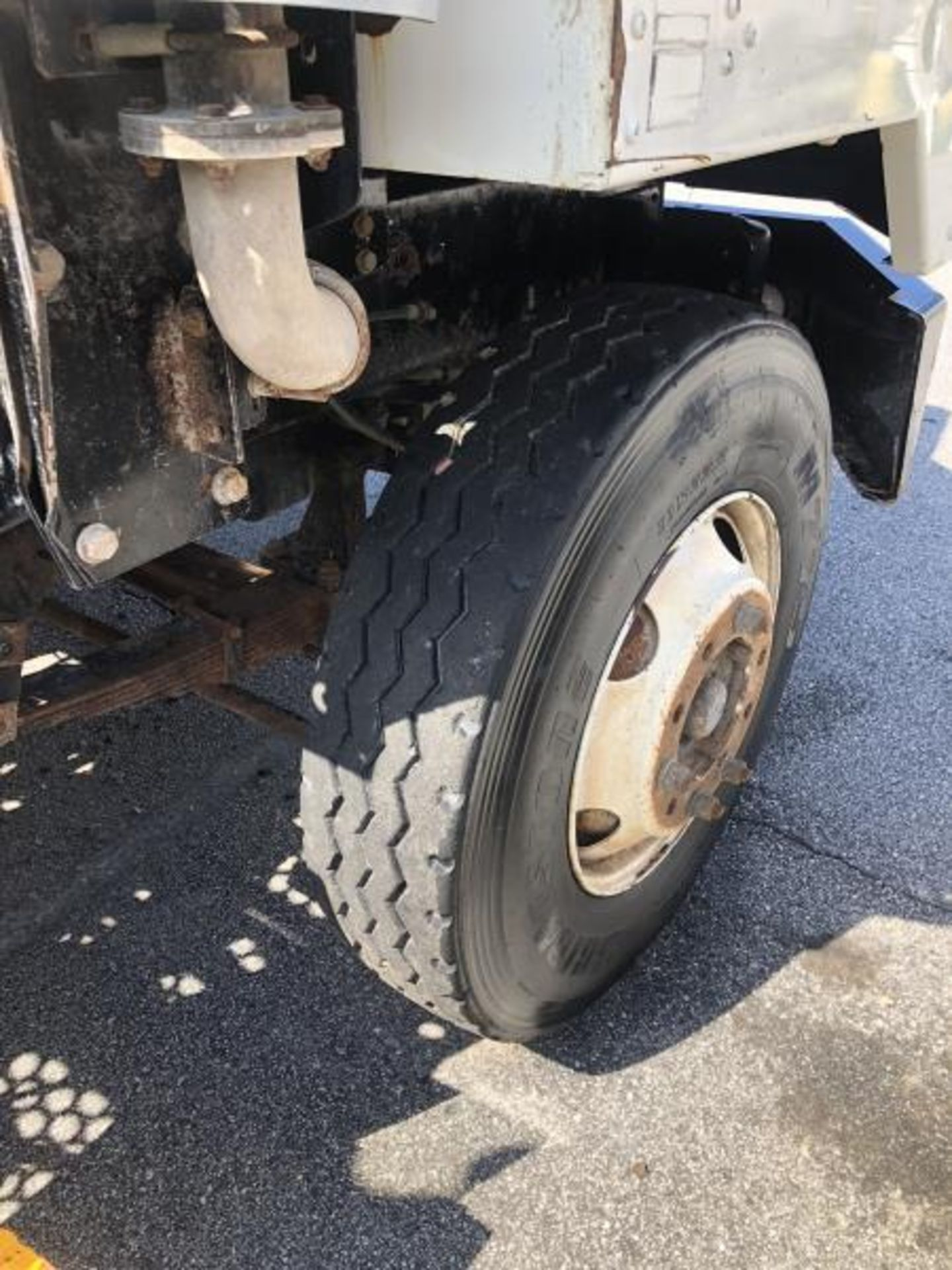 """2015 Kalmar Ottawa 4x2 Yard Truck , SN: 338840 4,378.6 Hours, 1,886 Miles - Image 14 of 36"