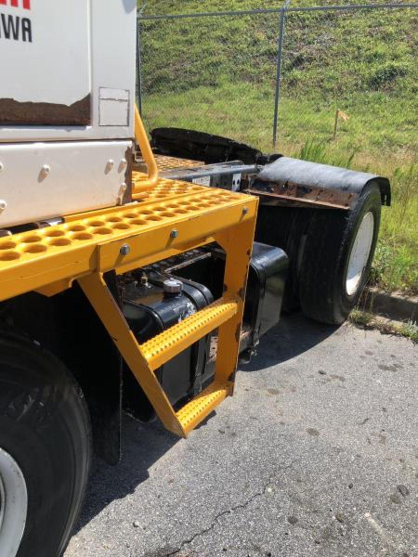 """2015 Kalmar Ottawa 4x2 Yard Truck , SN: 338840 4,378.6 Hours, 1,886 Miles - Image 5 of 36"