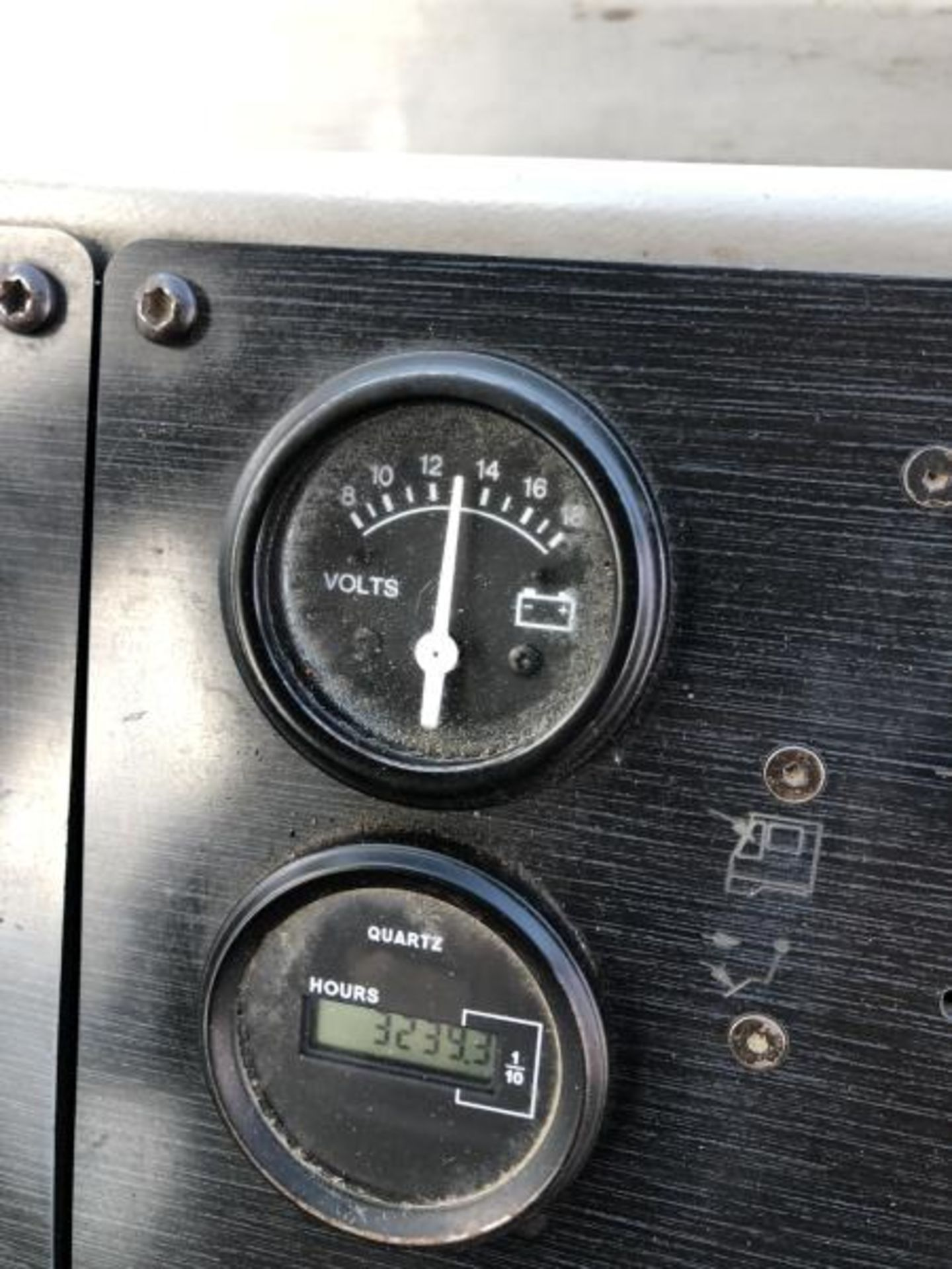 2015 Kalmar Ottawa 4x2 Yard Truck , SN: 338837 3,239.3 Hours, 3,125 Miles - Image 22 of 32