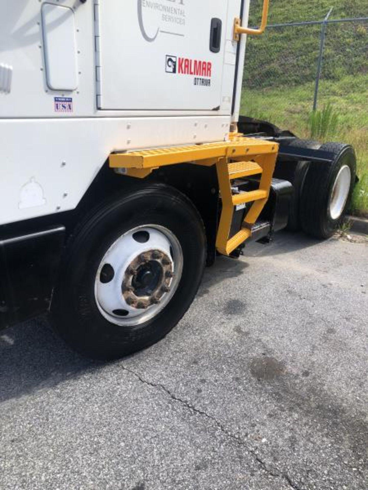 2015 Kalmar Ottawa 4x2 Yard Truck , SN: 338837 3,239.3 Hours, 3,125 Miles - Image 6 of 32