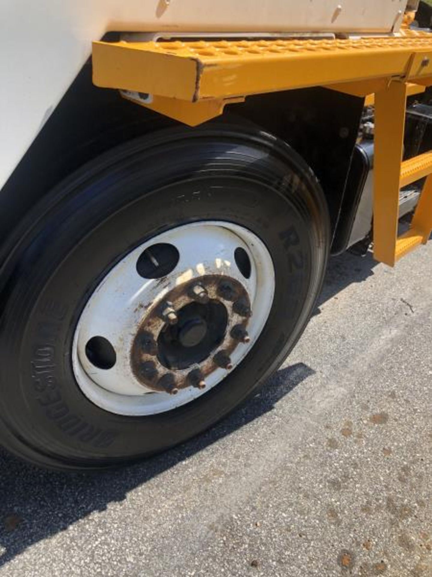 2015 Kalmar Ottawa 4x2 Yard Truck , SN: 338836 1,939.0 Hours, 1,961 Miles - Image 4 of 33