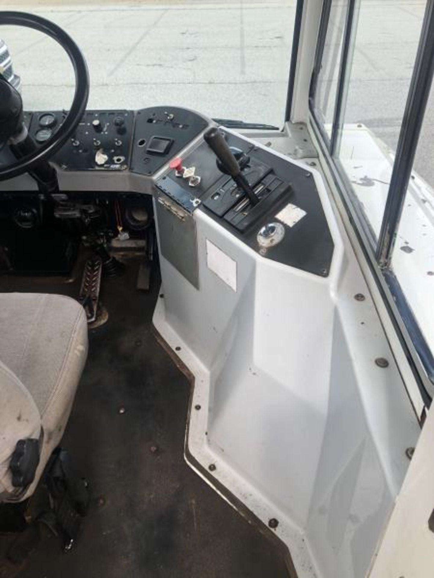 2015 Kalmar Ottawa 4x2 Yard Truck , SN: 338845 2,600.5 Hours, 185 Miles - Image 24 of 27