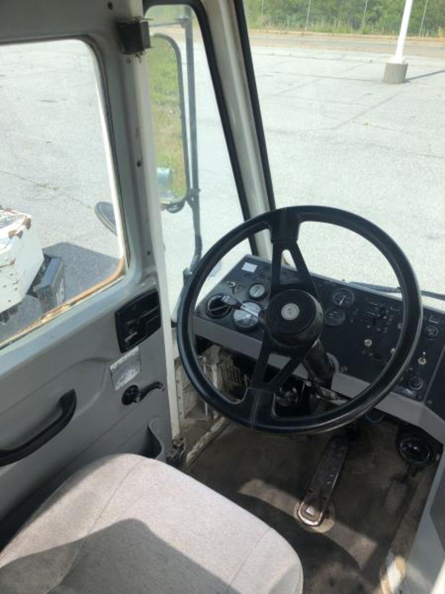 2015 Kalmar Ottawa 4x2 Yard Truck , SN: 338842 1,308.2 Hours, 937 Miles - Image 22 of 27