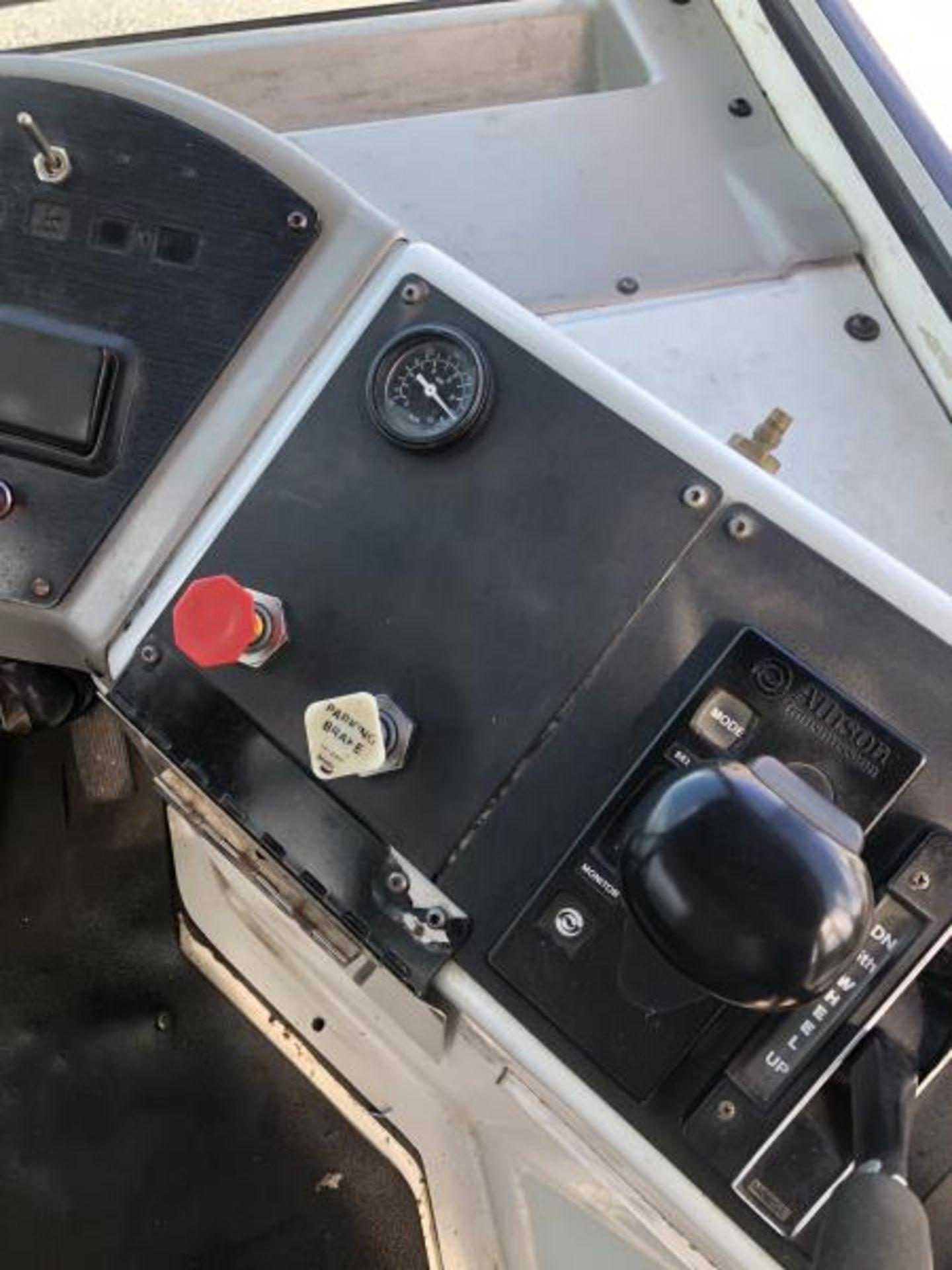 2015 Kalmar Ottawa 4x2 Yard Truck , SN: 338837 3,239.3 Hours, 3,125 Miles - Image 30 of 32