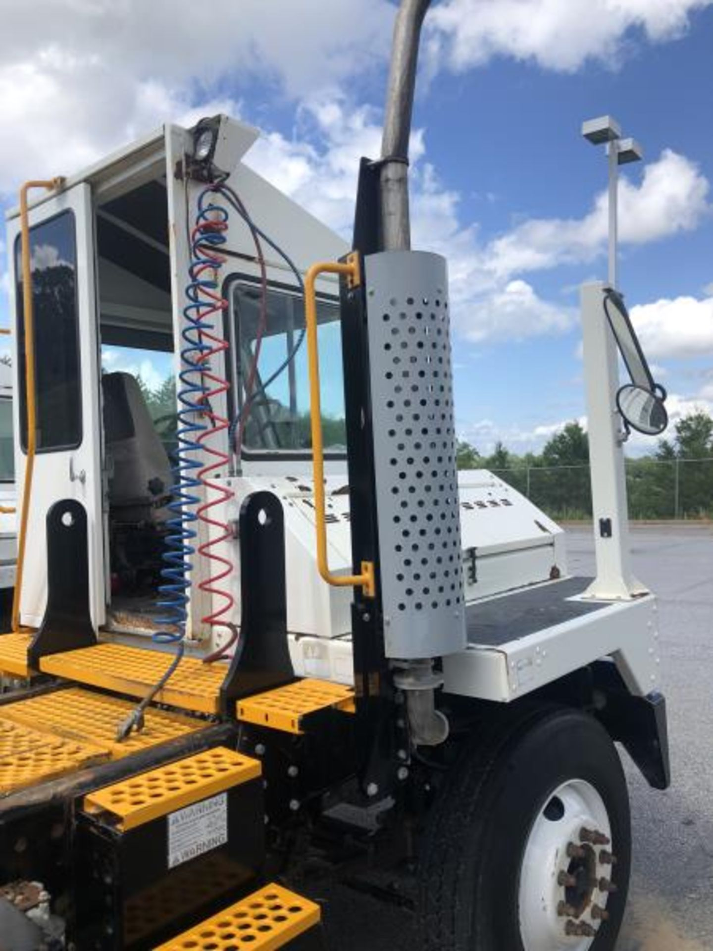 2015 Kalmar Ottawa 4x2 Yard Truck , SN: 338842 1,308.2 Hours, 937 Miles - Image 13 of 27