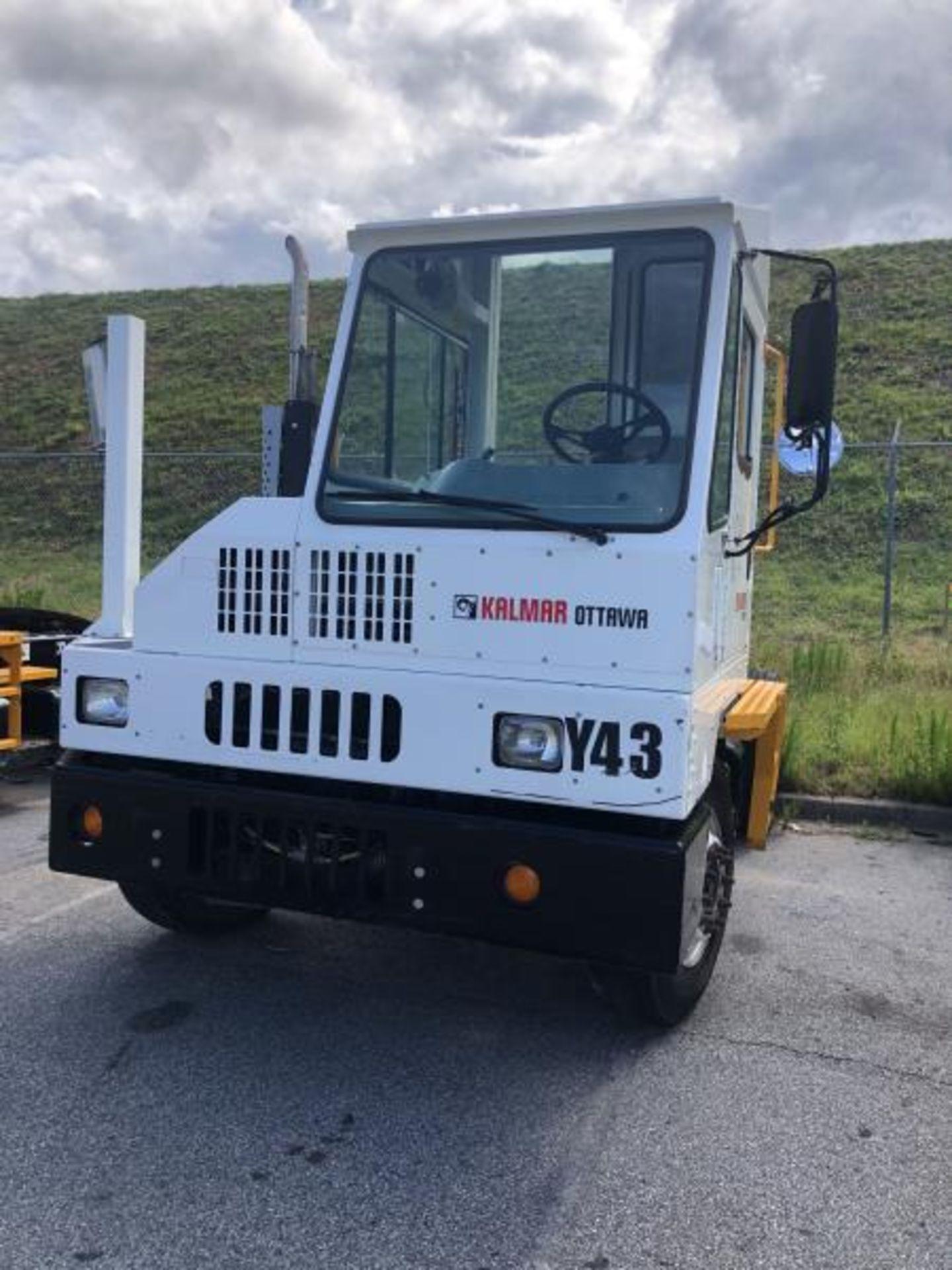 2015 Kalmar Ottawa 4x2 Yard Truck , SN: 338837 3,239.3 Hours, 3,125 Miles - Image 4 of 32