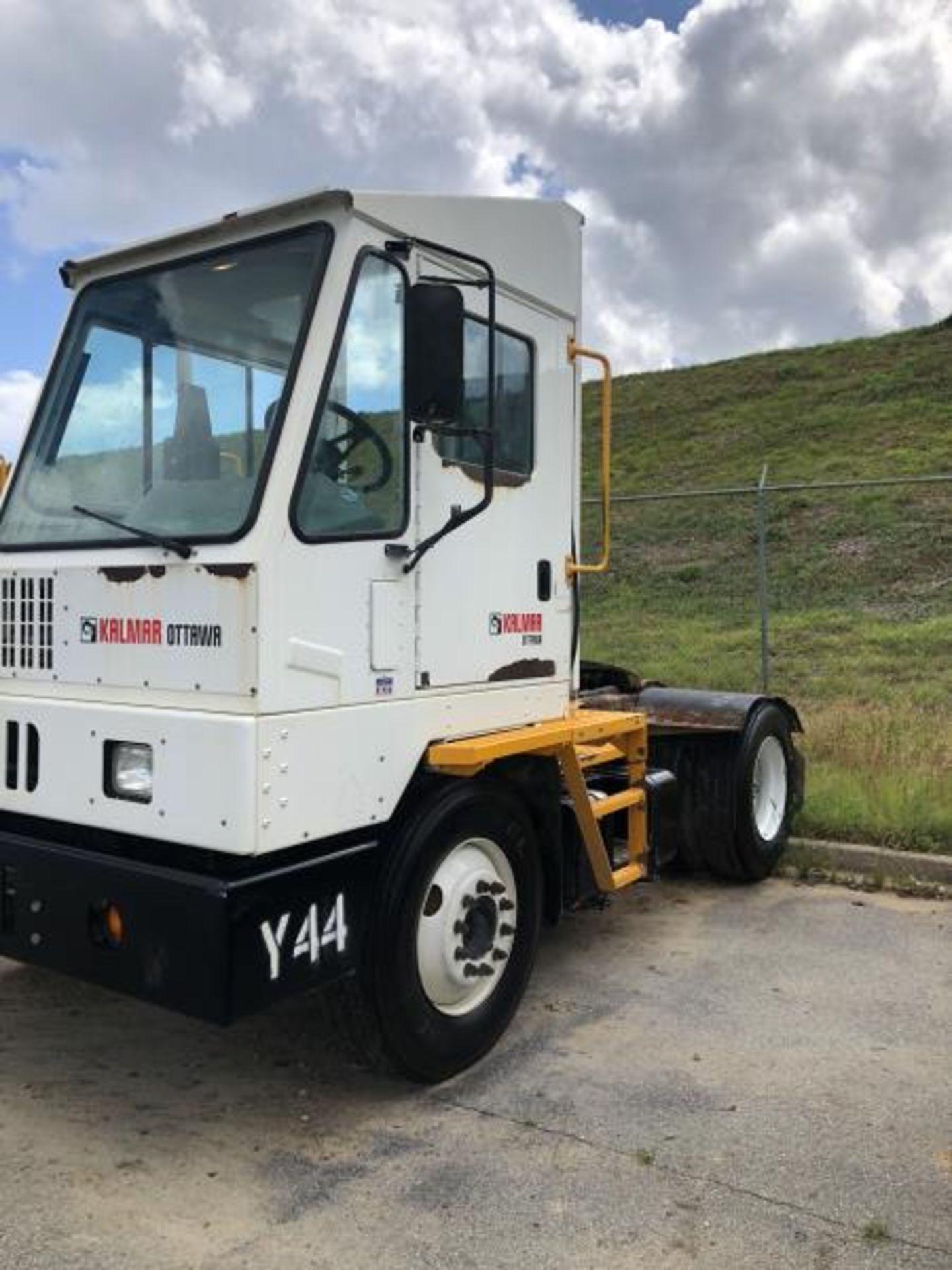 2015 Kalmar Ottawa 4x2 Yard Truck , SN: 338838 3,710.3 Hours, 2,817 Miles - Image 15 of 28