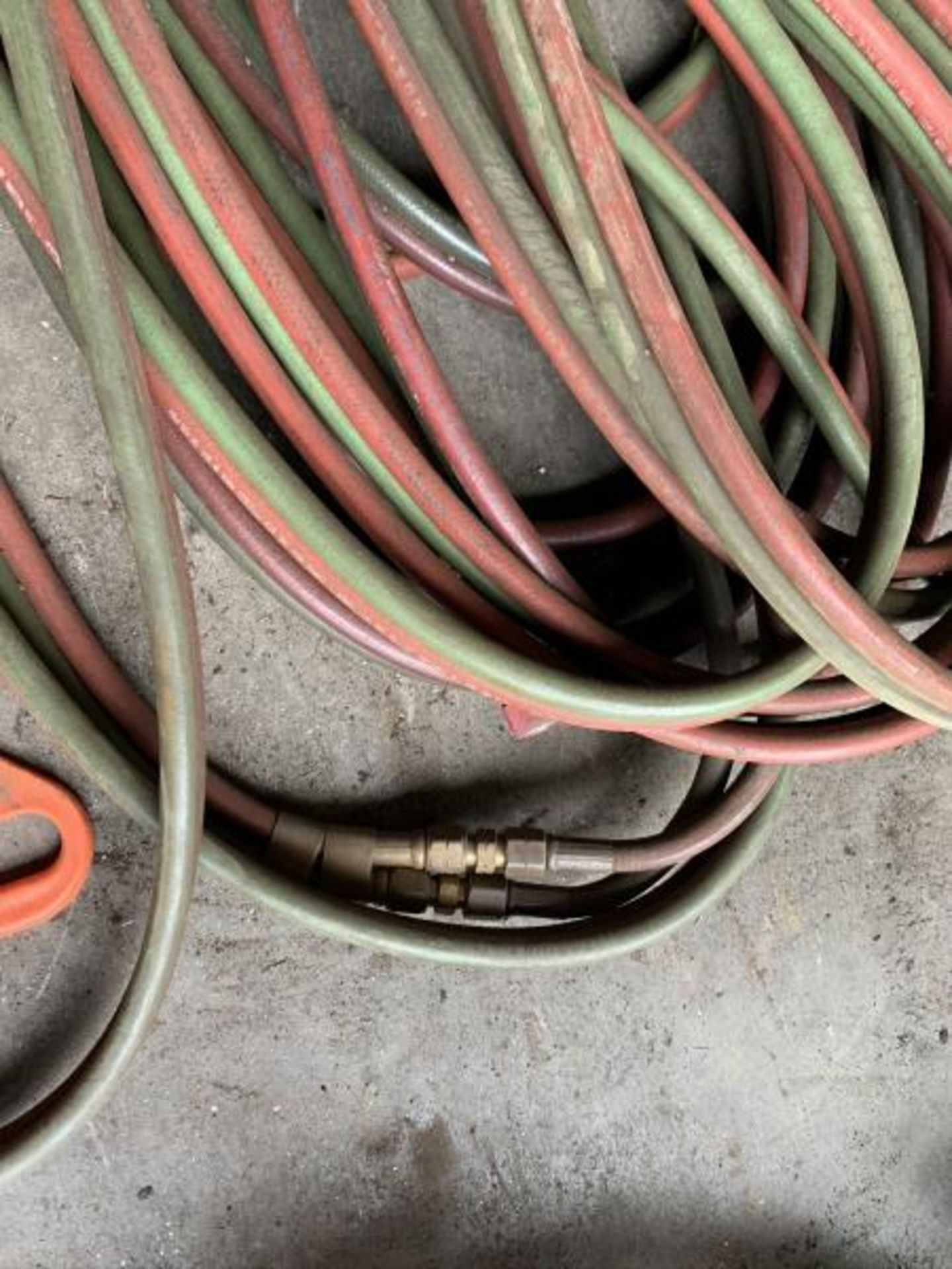 Lot 16 - Acetyle & Oxygen hose with quick disconnect, approx 100'(+)