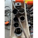 4-Wheel drive spindle sockets