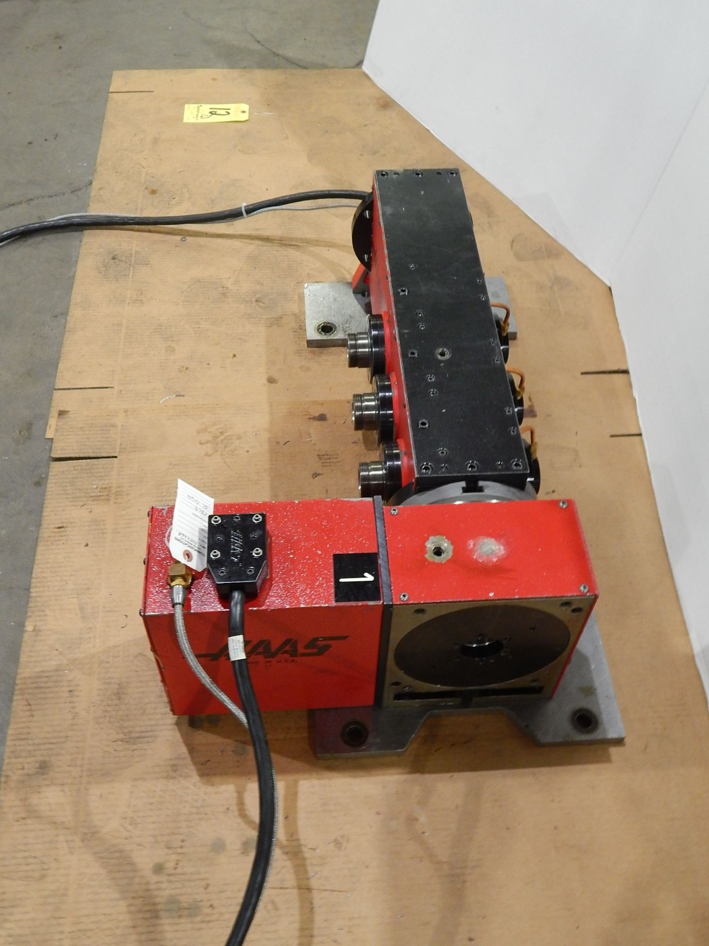Haas TSC-3 CNC Indexer, s/n 900226A, 4 and 5 Axis, Haas 4th Axis Tilt Rotary Table and (3) Haas 5C - Image 5 of 6