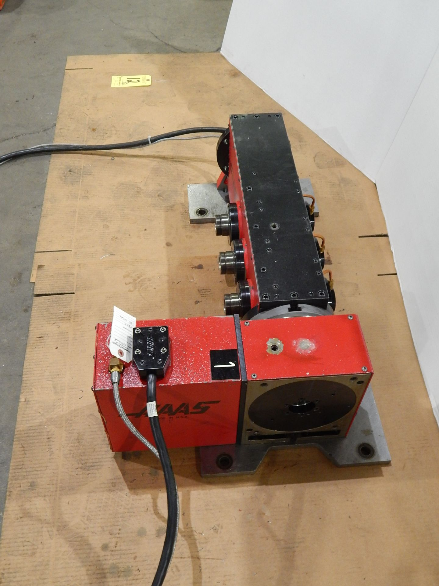 Haas TSC-3 CNC Indexer, s/n 900226A, 4 and 5 Axis, Haas 4th Axis Tilt Rotary Table and (3) Haas 5C - Image 4 of 6