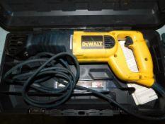 Dewal DW304P Reciprocating Saw