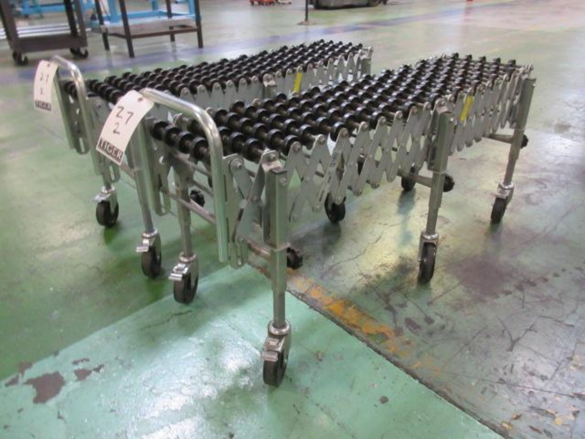 Lot 27 - Flexible Mobile Conveyor