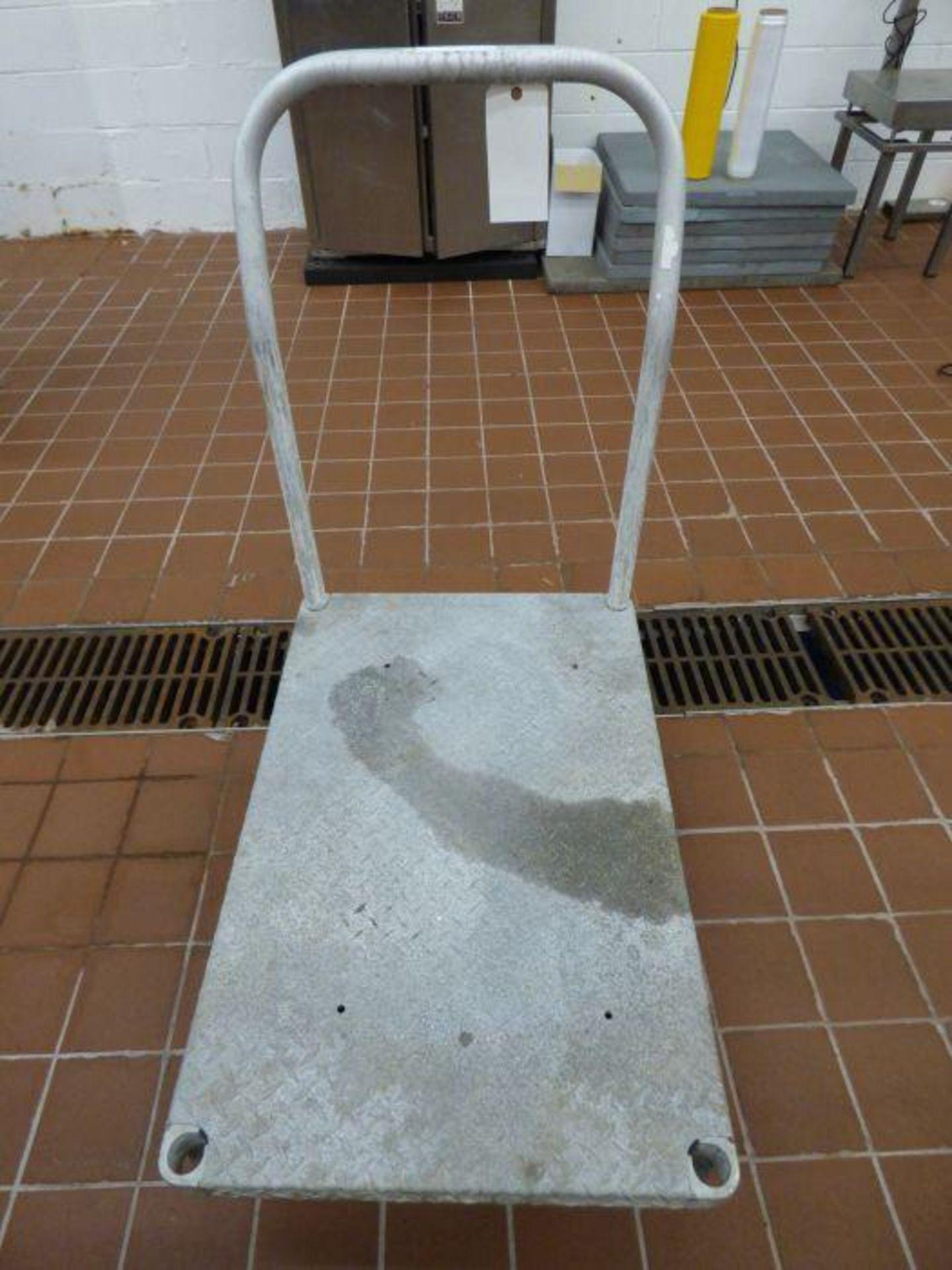Lot 1122 - Platform Cart