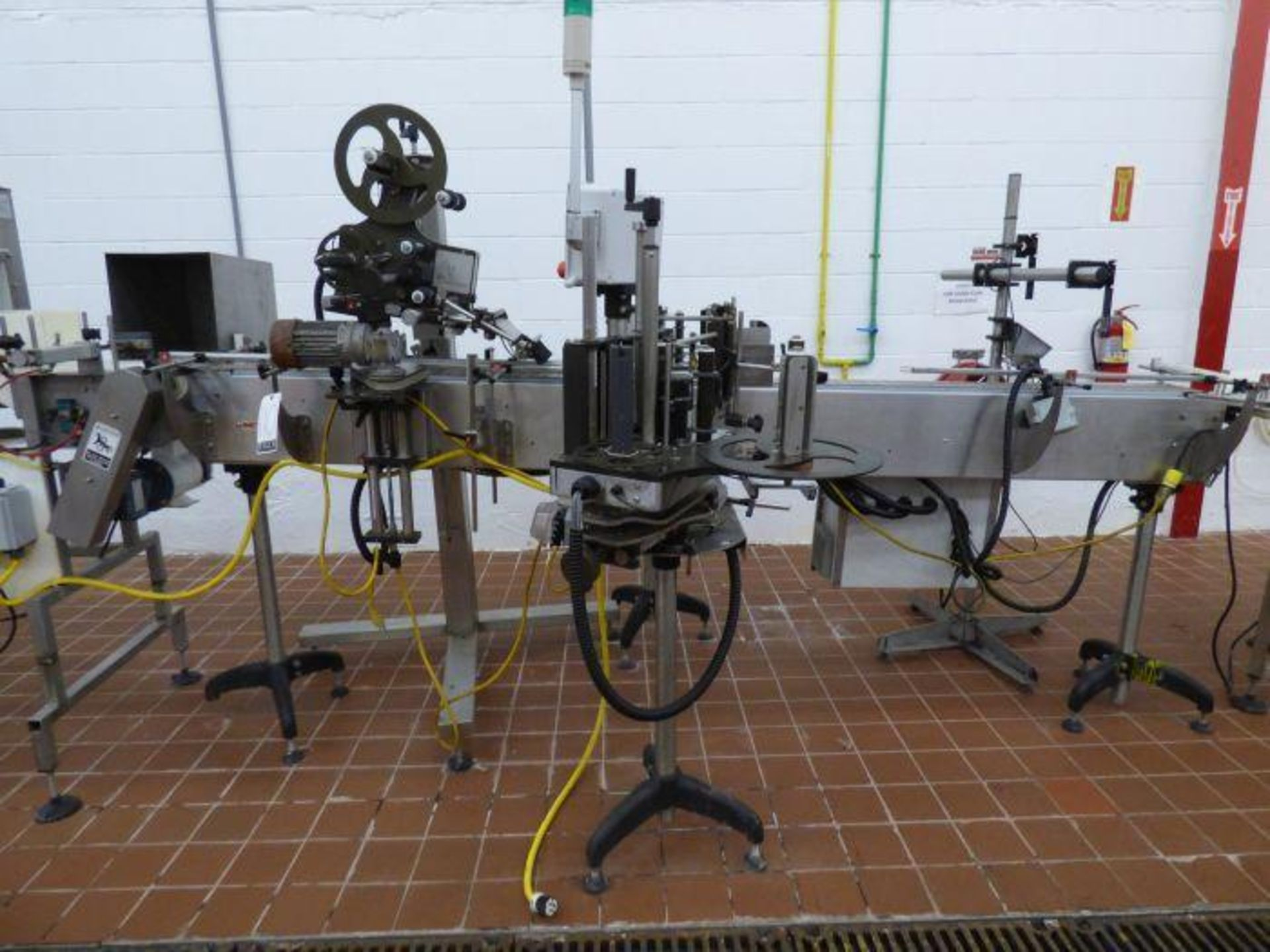 Lot 1110 - Nita Stainless Steel Horizontal Front and Back Wipe-On Pressure Sensitive Labeler