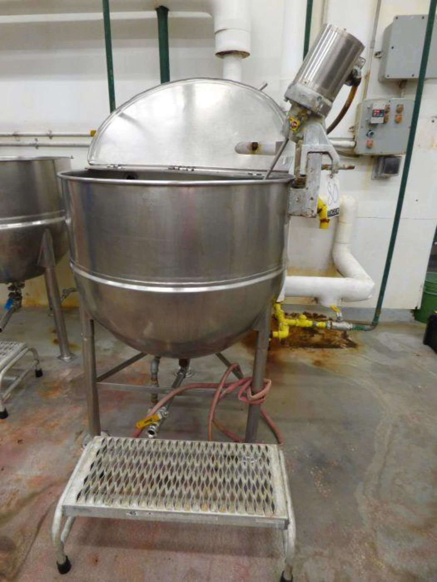 Lot 1080 - Groen Stainless Steel Jacketed Steam Kettle with Mixer