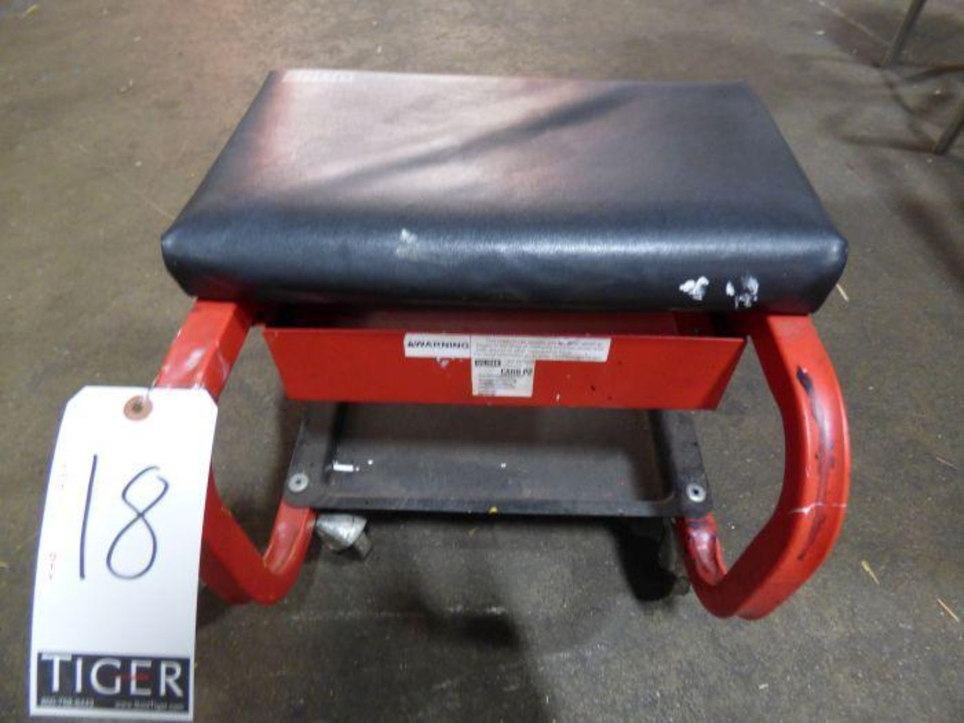 Lot 1018 - Rolling Stool Seat