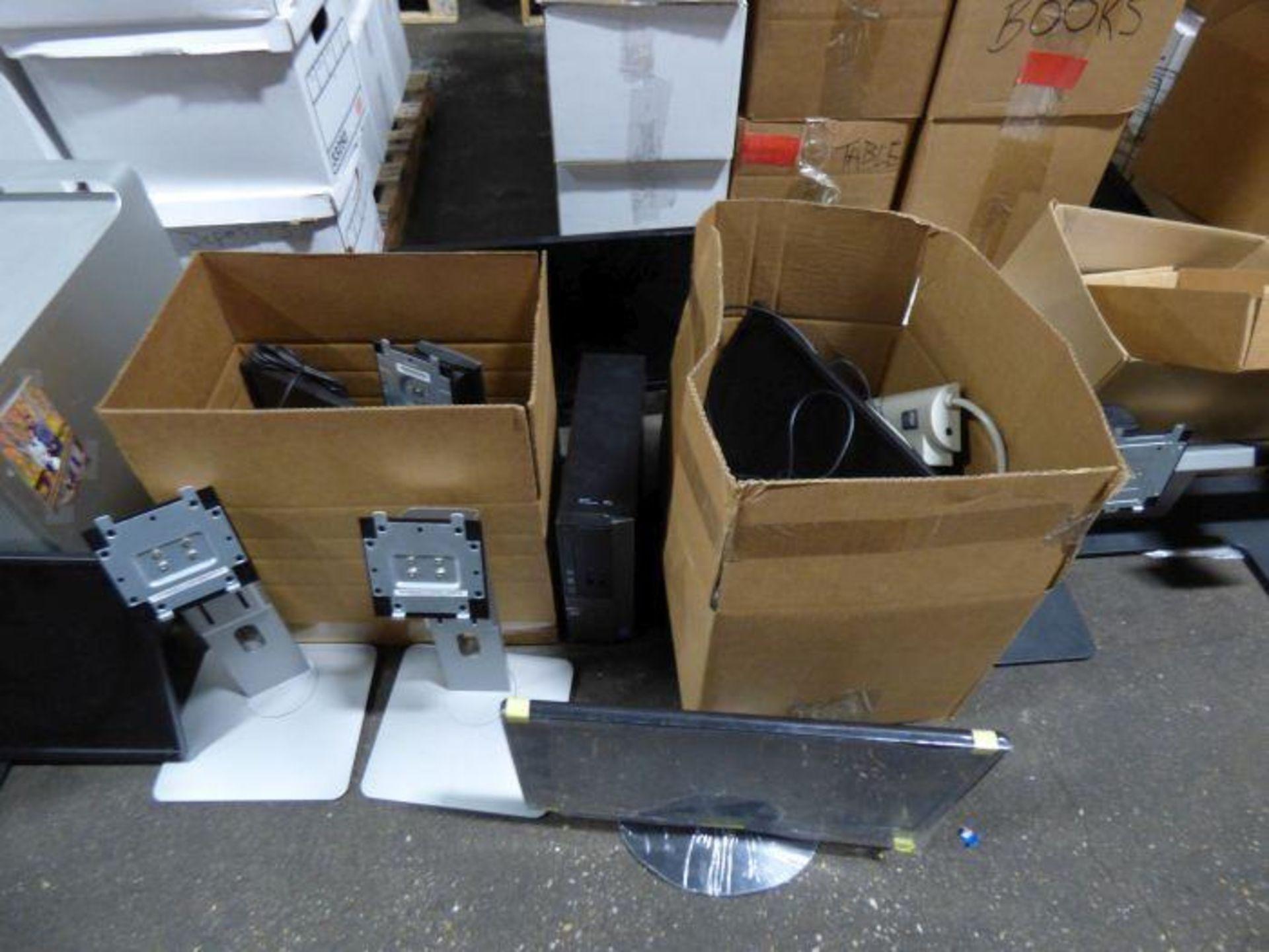 Lot 1343 - Lot Office Equipment