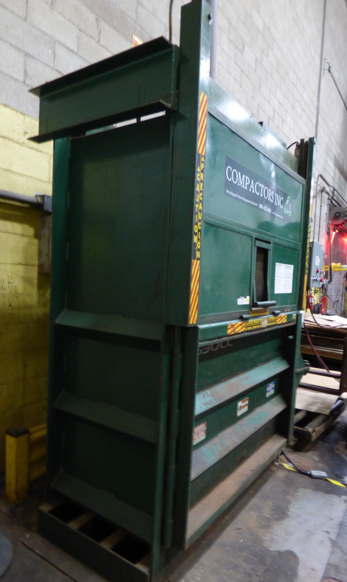 Lot 1410 - Bace Vertical Baler