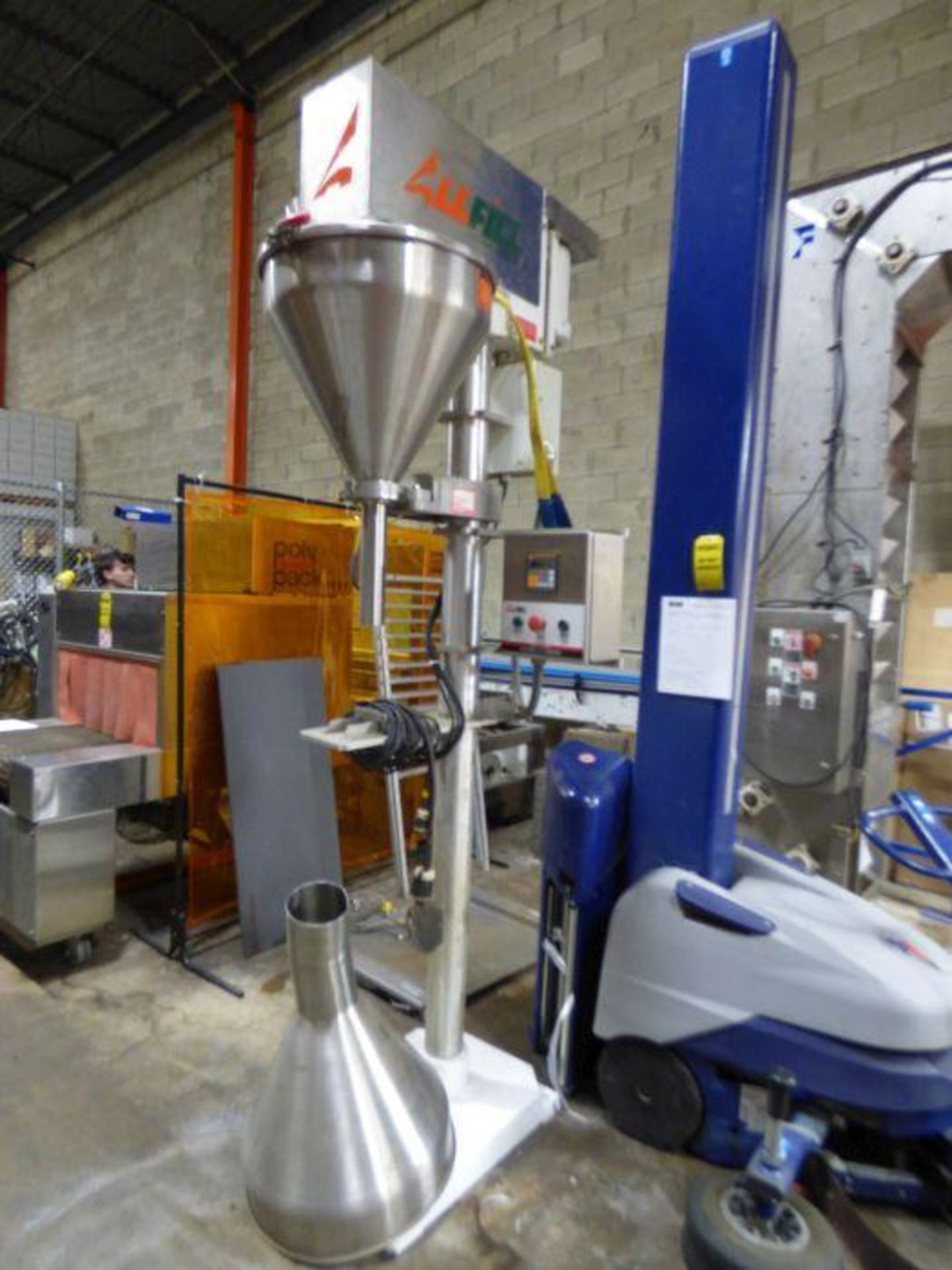 Lot 1075 - Manual Vertical Filling Machine