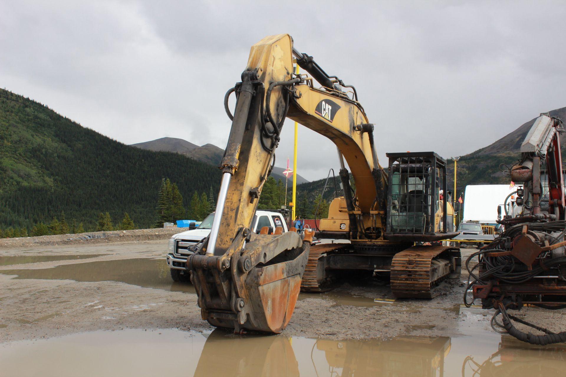 Lot 3 - 2003 Cat 330C Excavator, EROPS, Bush Guard, w/ WBM Bucket w/ Hydraulic Thumb; S/N DKY01549; Meter