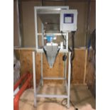 Actionpac model ME1095 Single Scale Net Weigher - Stainless steel hopper with vibrator - Foot