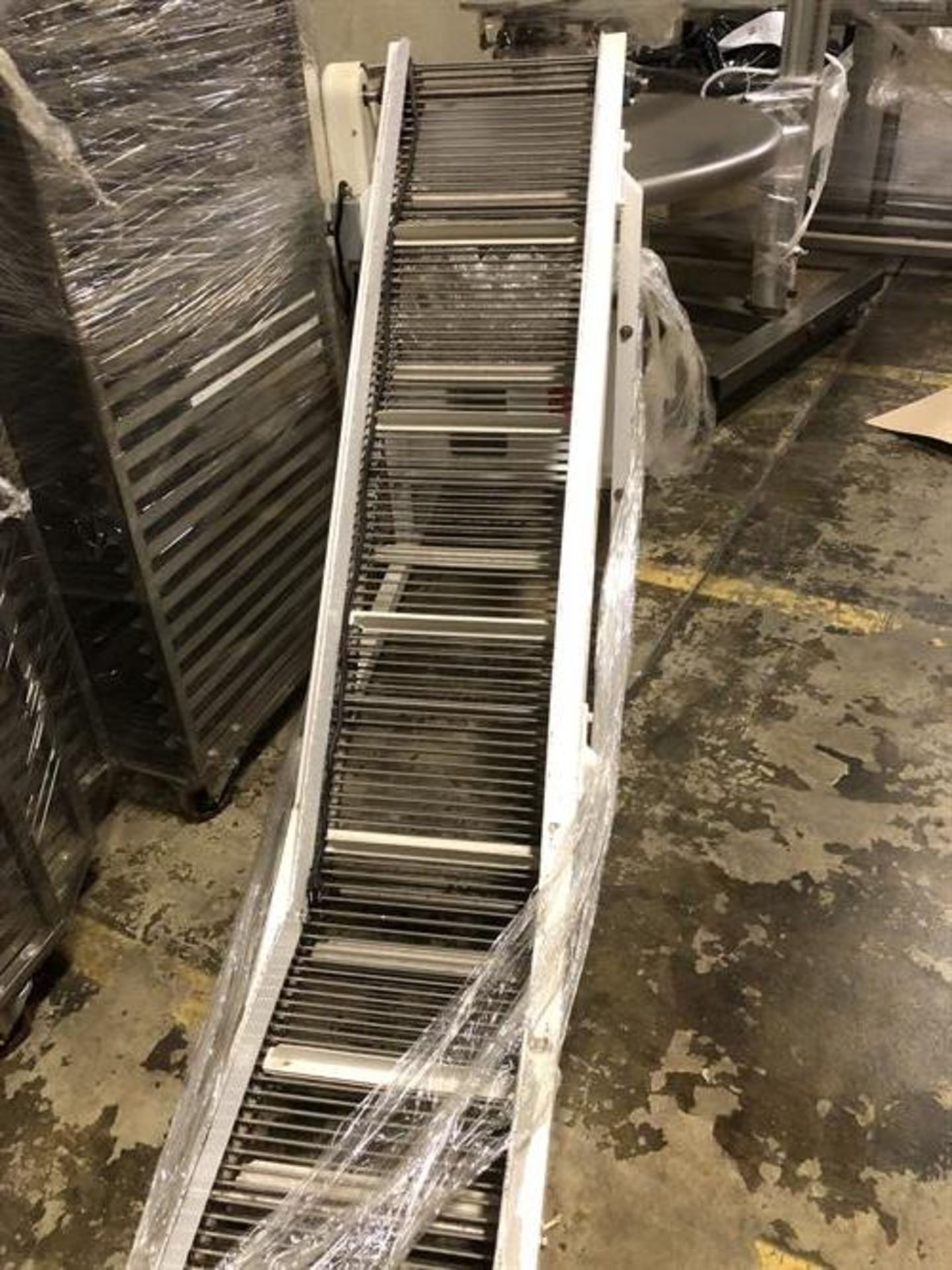 """Smalley Pack-off Conveyor with Turntable - 14"""" wide x 60"""" long inclined cleated conveyor - 2-ft flat - Image 3 of 3"""