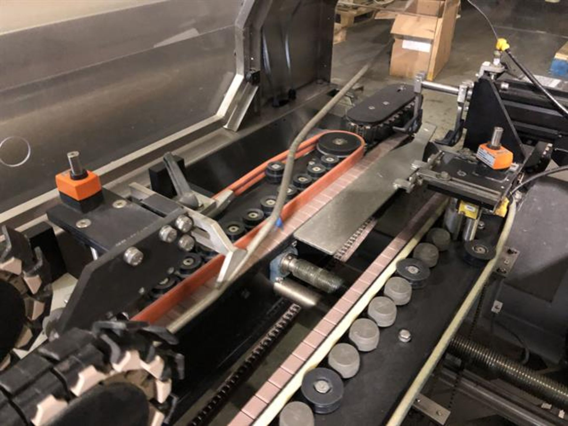 Bradman Lake inline Top Flap Sealer carton closer - Nordson Hot Melt - Allen Bradley Panelview - Image 10 of 19