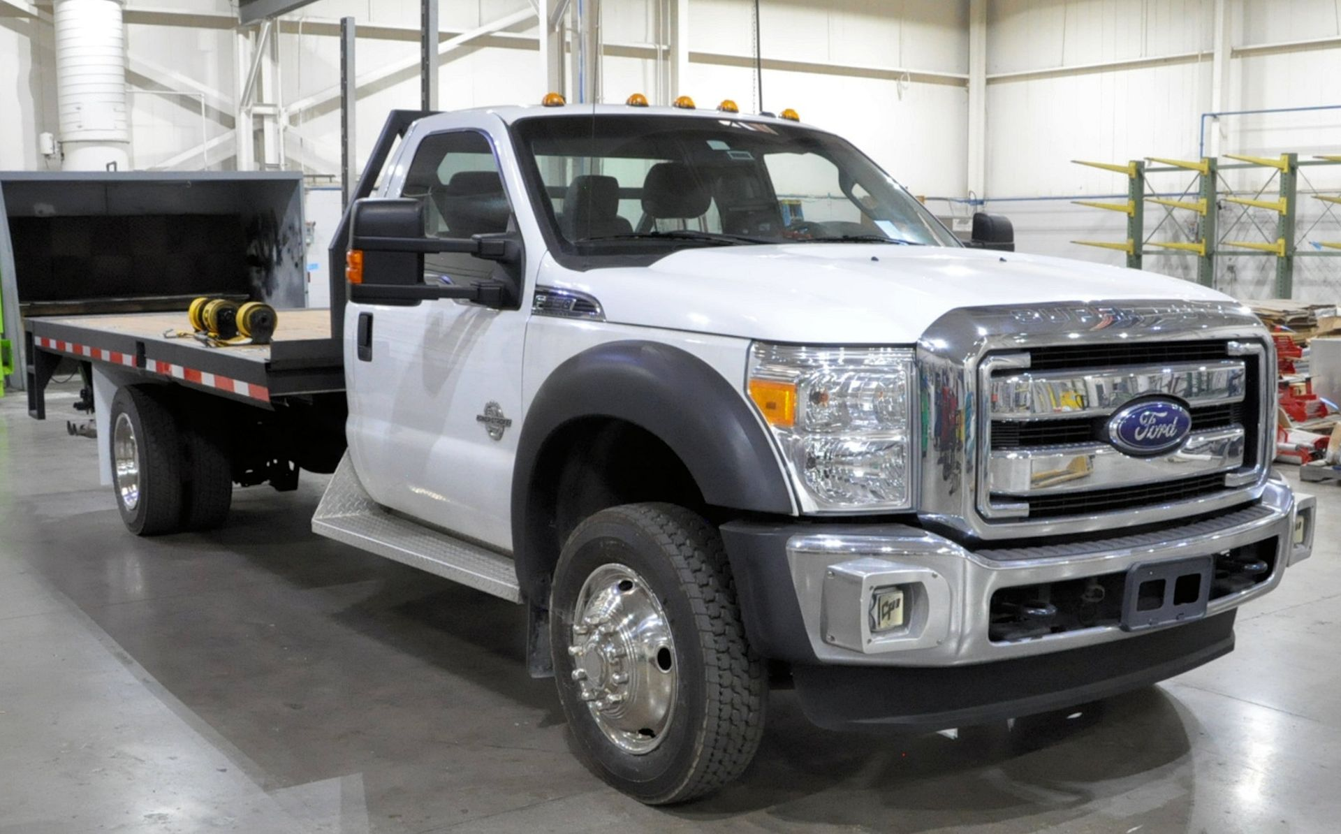 2015 Ford F550 XLT Super Duty Single Axle Dual Wheeled Stake Truck, 16' Wood Bed, Air Ride, Diesel - Image 2 of 10