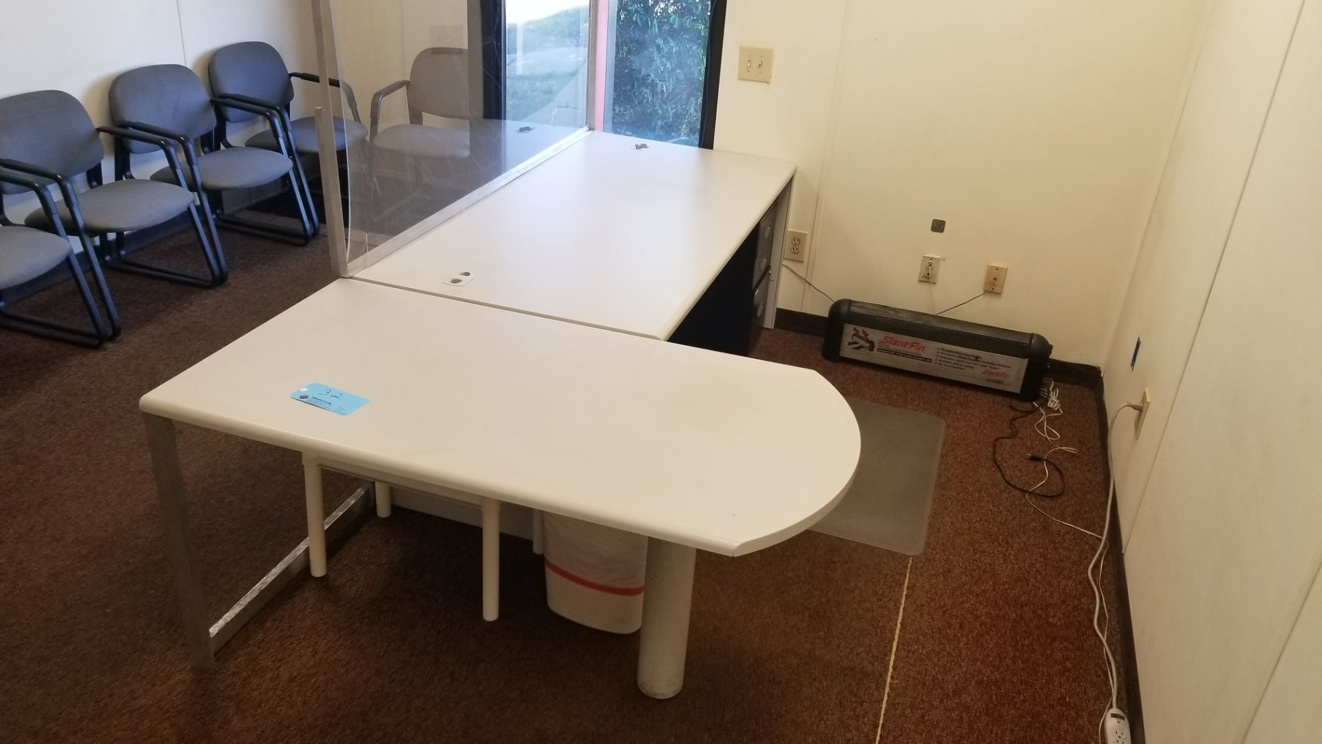 "72"" x 36"" Desk with Shield and 58"" x 30"" Return - Image 2 of 3"