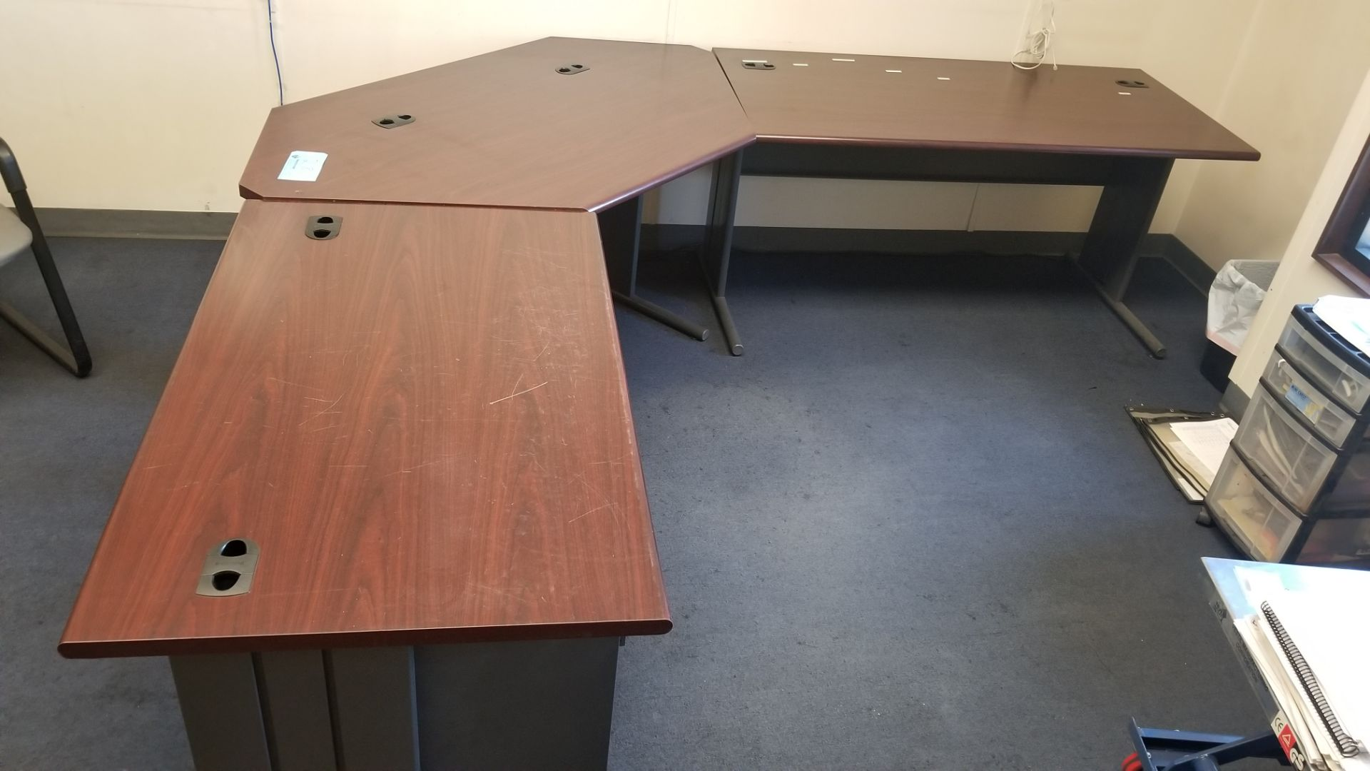L shaped desk with file drawer