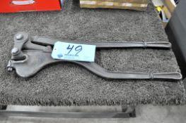 Whitney Model 8-2, Portable 1/4 thru 1/4 Hole Punch