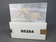 Diecast Masters - A boxed 1:50 scale #85284 Cat 390F l Hydraulic Excavator by Diecast Masters.