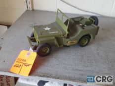 Army Jeep, Jim Beam decanter , full with original seal