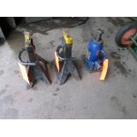 Lot includes (1) hydraulic bottle jack, 12 ton cap., and (2) assorted jack stands