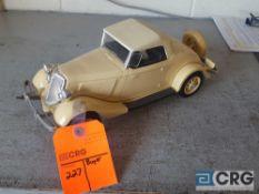 1934 Ford Convertible, Jim Beam decanter, full with original seal
