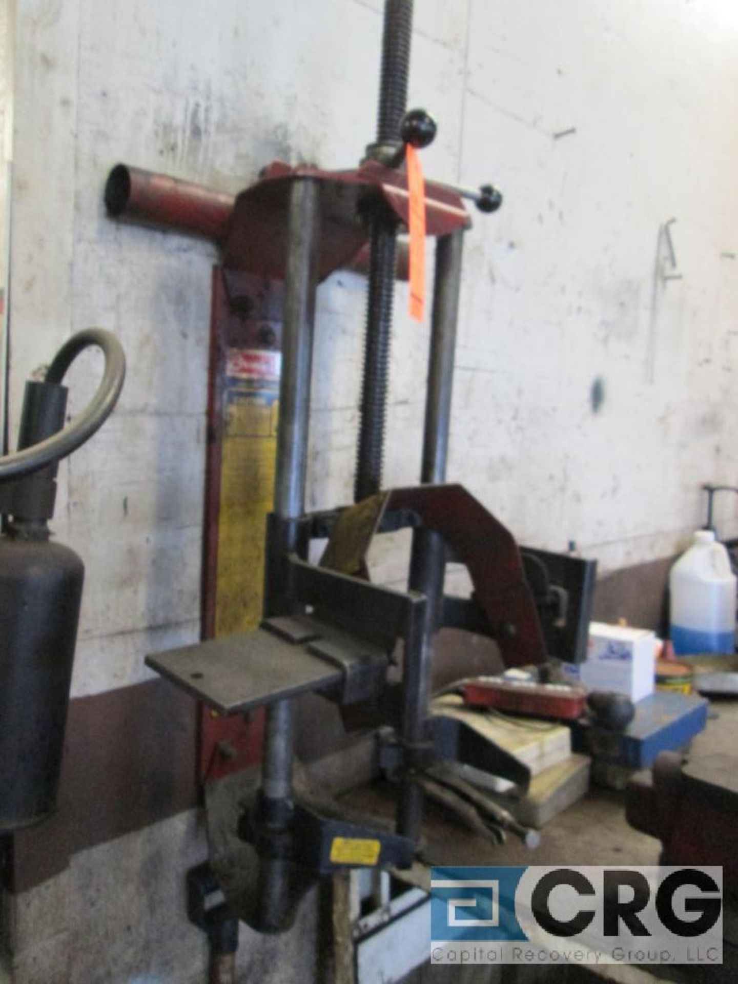 Branick MST-580A strut spring compressor wall mounted - Image 2 of 3