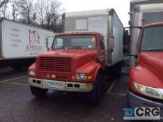 2002 International 20' box truck, DT466E ENGINE, A/T, Vynl interior, Supreme Corp 20' box w/Waltco