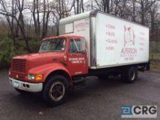 1998 International 20' box truck, DT466E ENGINE, A/T, Vinyl interior, Supreme Corp 20' box w/Maxon