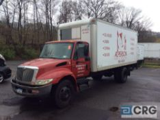 2004 International 20' box truck, DT466 ENGINE, A/T, Vinyl interior, Morgan 20' box w/Maxon lift