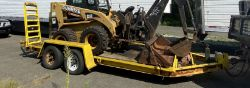 2000 Towmaster T-1000 T/A 13,100 GVWR tag equipment trailer VIN# 4KNUT1621YL162955 with loading