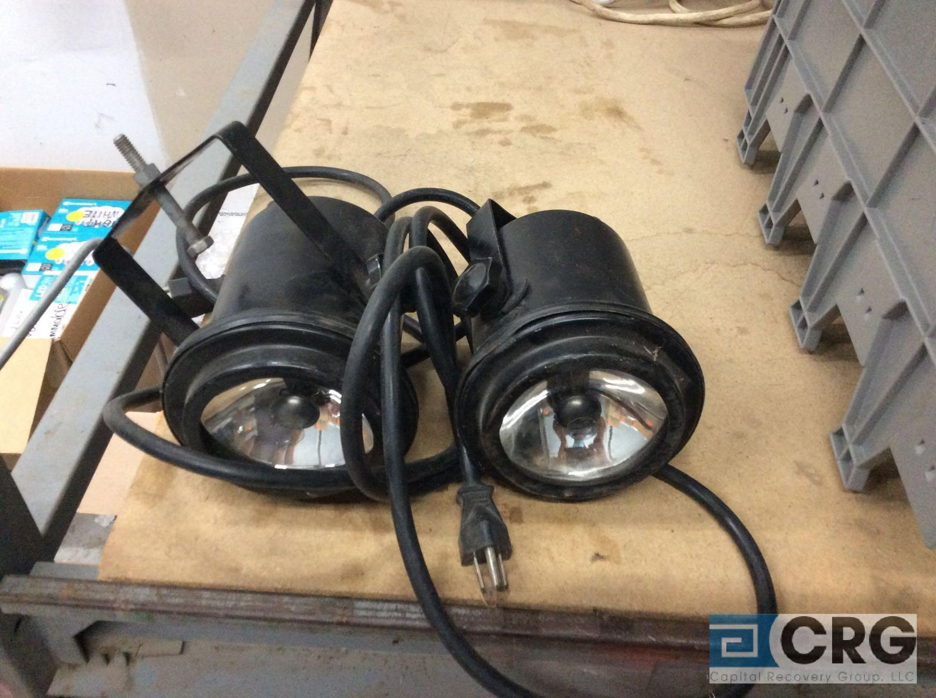 Lot 941 - Lot of (2) pin spot lights and (2) ring frame flood lights