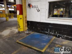 5 ft. X 5 ft. platform scale capacity 10000 lb max, with Ricelake DRO, m/n 420 Plus-2A, s/n