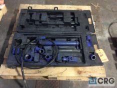 Westward 10 ton portable hydraulic ram with case