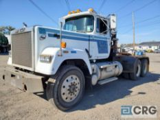 1988 Mack RW700 Day Cab Tractor, 80,000 GVWR, 1,117 hours, with Tulsa Winch Company Rufnek30