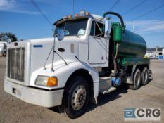1999 Peterbilt 385 tandem axle Liquid Vac Truck, 56,000 GVWR, 2,233 hours, with 3,000 gal.