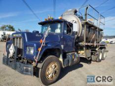 1989 Mack RD690S tandem axle Liquid Vac Truck