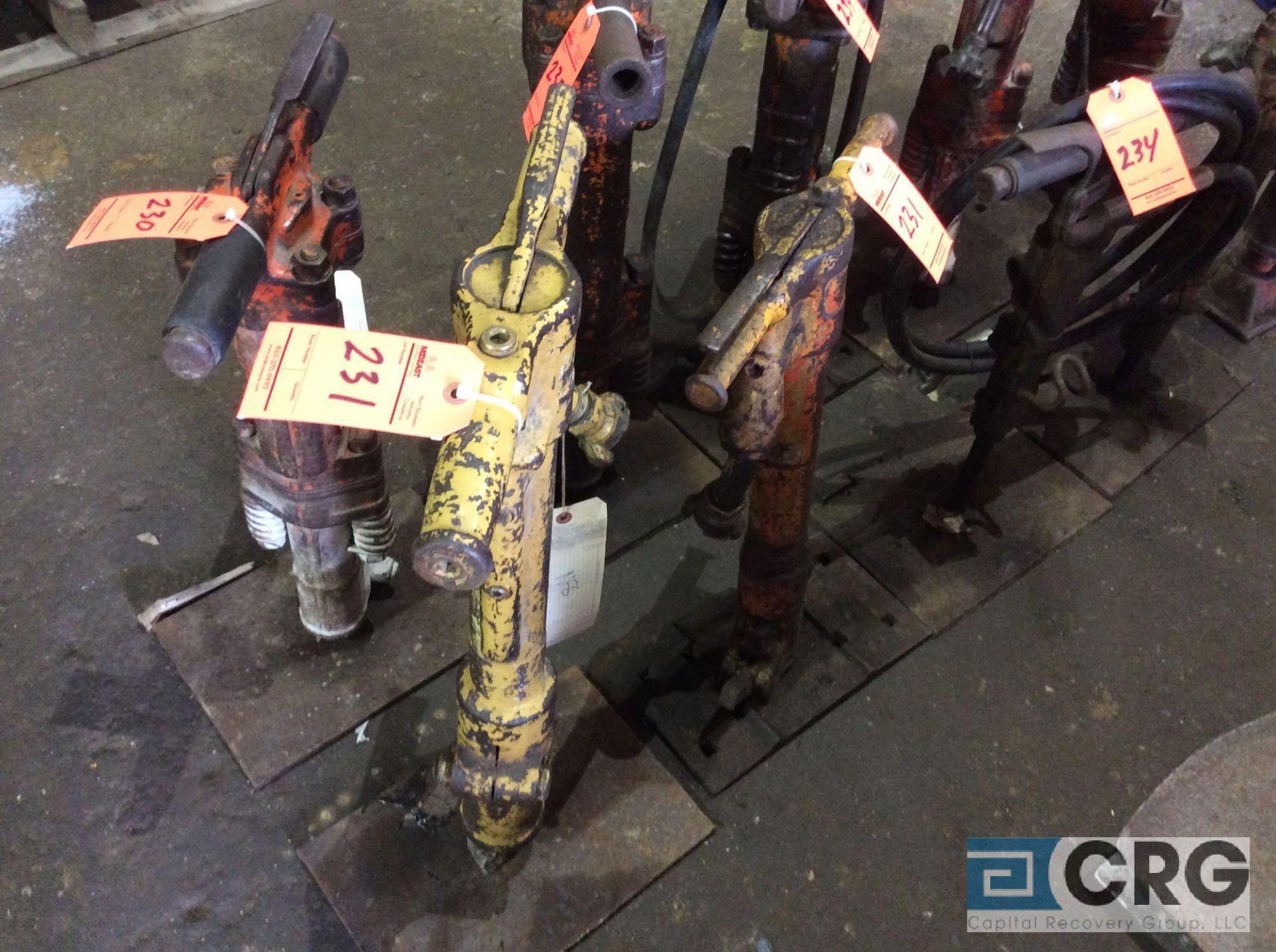 Lot 231 - Lot of (2) asst jackhammers