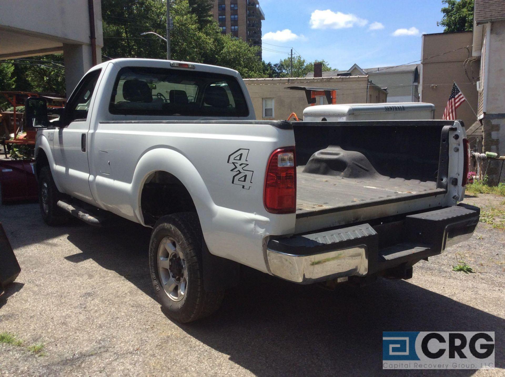 Lot 335 - 2016 Ford F350 Super Duty Pick Up Truck VIN#, 19928 miles, 4X4, 6.2 litre V-8 gas engine, AT,